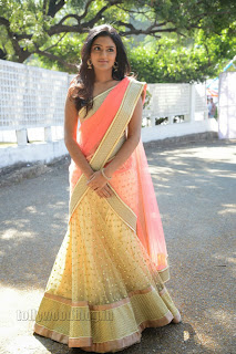 Esha Gorgeous Gallery in Vasta Nee Venuka Spicy Saree