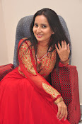 Ishika singh latest dazzling photos-thumbnail-20