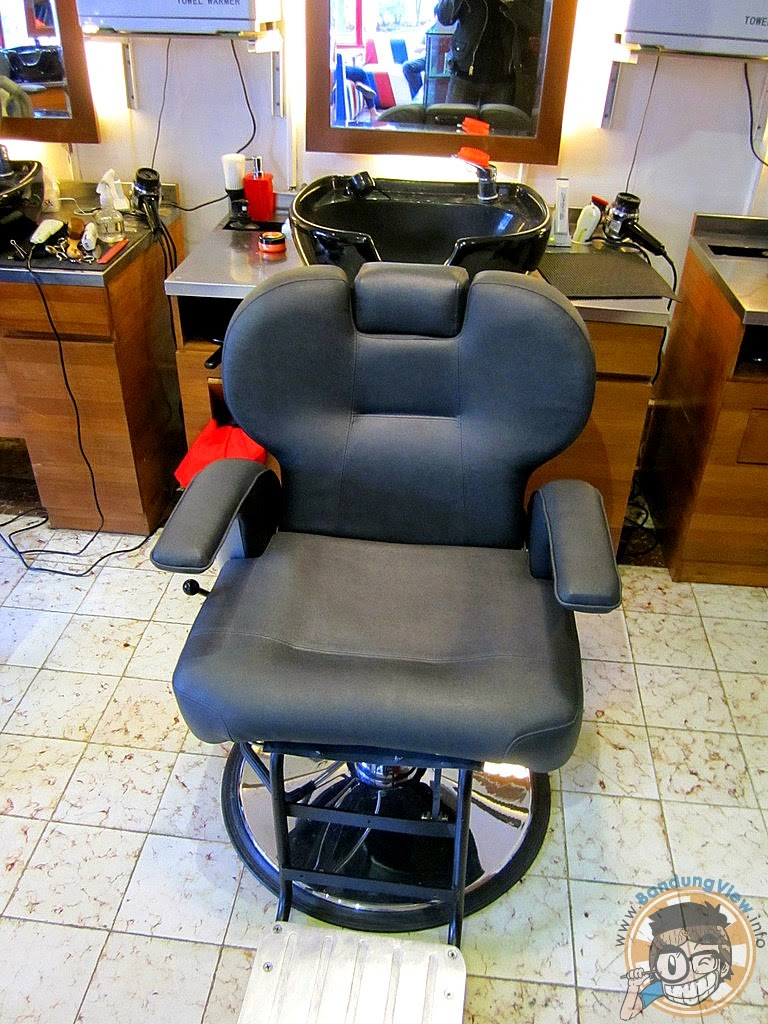 barber chair - barber pop