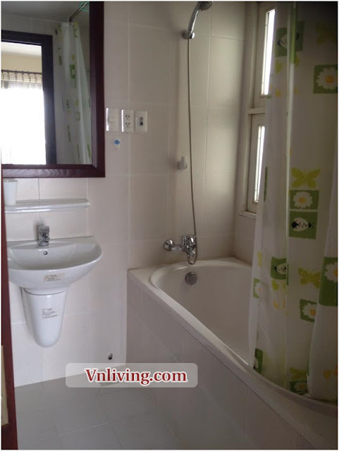 2 bedrooms serviced apartment for rent in Phu Nhuan Dist large balcony