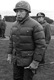 General de Brigada MARIO BENJAMÍN MENÉNDEZ (03/04/1930). GUERRA DE MALVINAS Año 1982.