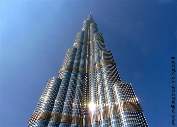 bottom view of burj khalifa dubai
