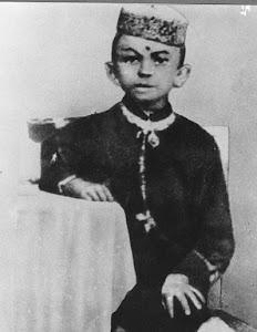 Gandhi @ 7