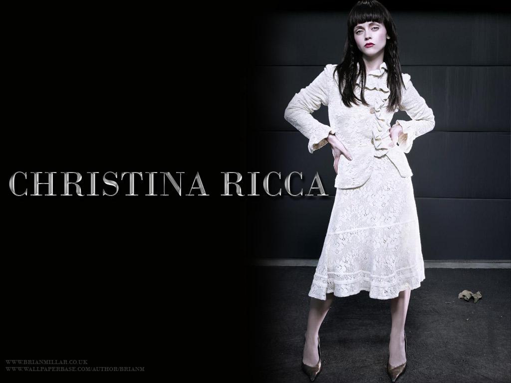 http://4.bp.blogspot.com/-PugWDD9q3BQ/T8dH6G7XZ3I/AAAAAAAAFRc/D8kaeT-HbfE/s1600/christina_ricci_wallpaper_6.jpg