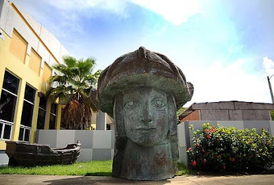 Santini Considera Erigir La Estatua De Colón En San Juan; Esta Pide Que Mejor La Pongan En Desecheo