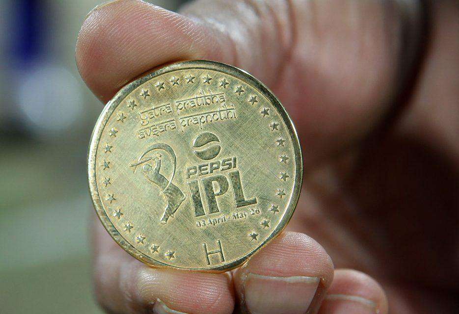 Match-Coin-RR-vs-SRH-Eliminator-IPL-2013
