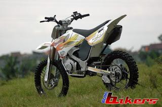 Modifikasi Motor Trail Suzuki satria 2tax tahun 97 title=