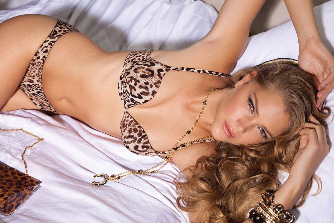 http://4.bp.blogspot.com/-Pusb8YhspNA/ThrWLYL3w6I/AAAAAAAAHfg/JceaQe7Mckk/s1600/Esti%252520Ginzburg%252520_Model%252520Israel%252520%252520%25281%2529.jpg