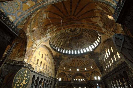 domes c osseman أيـا صوفيا كنيسة ثم مسجد واخيرا متحف ! بالفيديوا و الصور