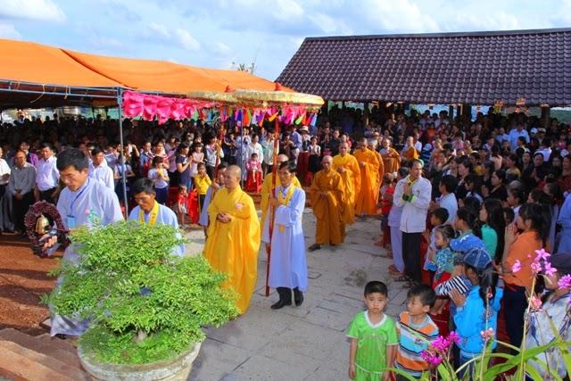 Xúc động, lễ Vu lan, chùa Liên Hoa