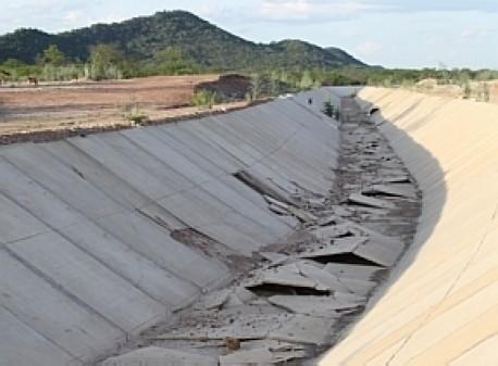 Crime nacional, Lula e a Transposição do Rio São Francisco Transposi%c3%a7%c3%a3o-do-sao_francisco_abandonada-AE_