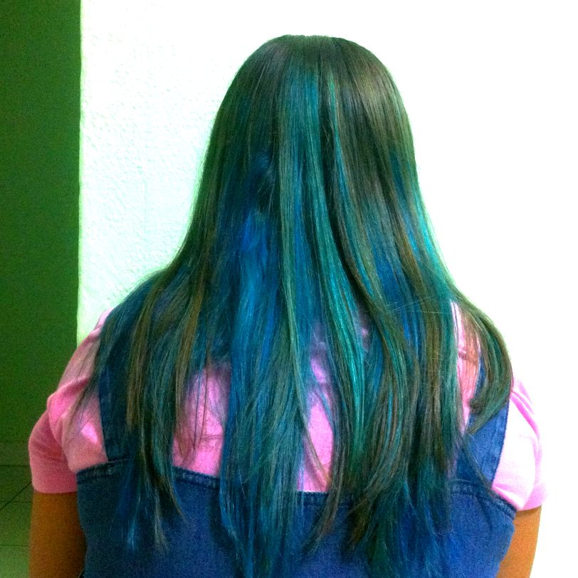 cabelo azul, mechas azuis no cabelo