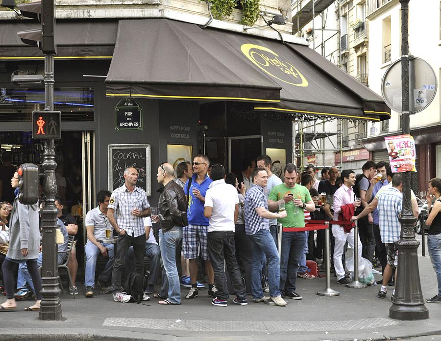 paris self guided walking tour marais