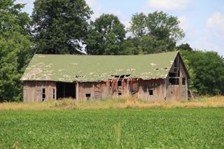 photo of a deteriorating barn