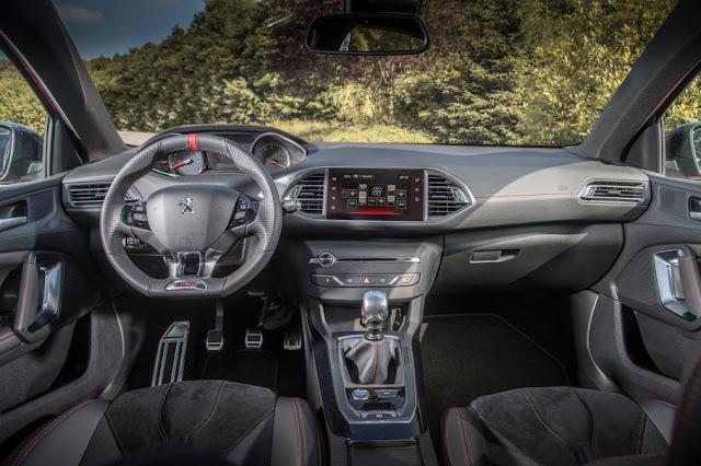 Peugeot 308 GTI - interior