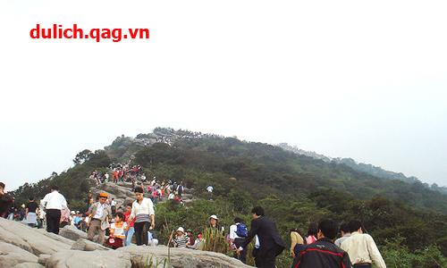 Du lịch Yên Tử một trong những trung tâm Phật giáo Việt Nam