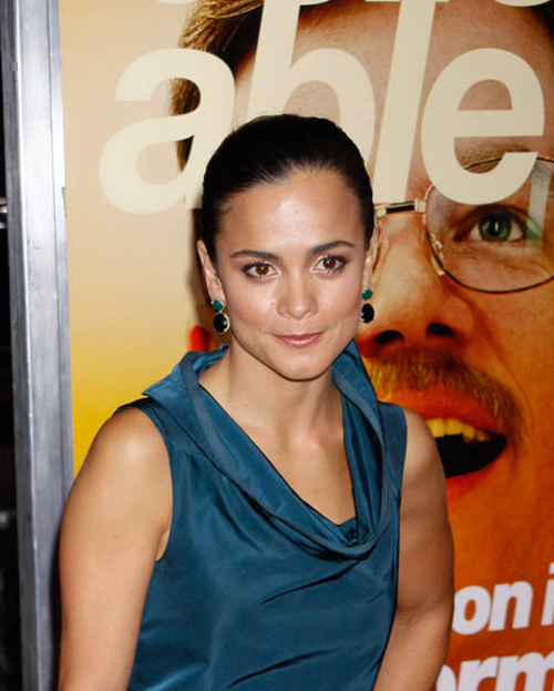 Alice Braga Hairstyle 19
