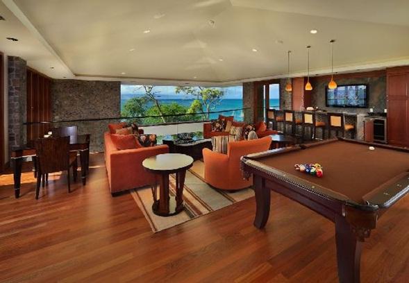 Decora y disena interior de casa de lujo en hawaii for Mesas de billar de lujo
