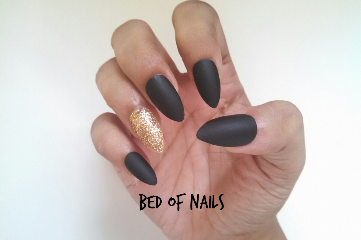 JayBee\'s Journal: Why Wear False Nails from Bed of Nails