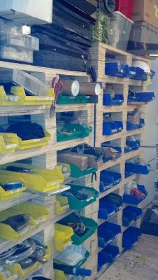 Estanter a f cil de hacer con cajones para organizar tus trastos - Estanterias para garaje ...