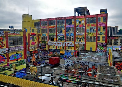 http://www.nytimes.com/2013/11/20/nyregion/5pointz-a-graffiti-mecca-in-queens-is-wiped-clean-overnight.html?smid=fb-nytimes&WT.z_sma=NY_FPA_20131119#comments