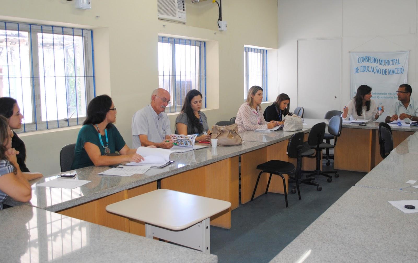 : Escolas municipais vão utilizar produtos locais na merenda escolar #926139 1600 1009