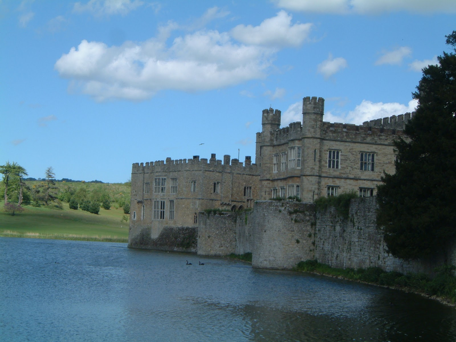 Leeds castle walk