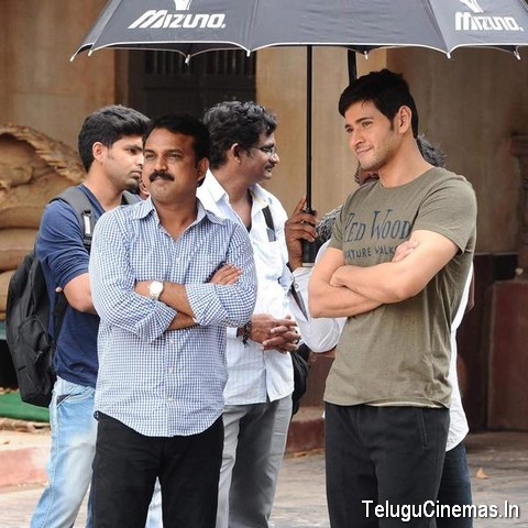 Srimanthudu Working Stills ,Srimanthudu wallpapers,Srimanthudu pictures,Srimanthudu on location photos,Maheshbabu Srimanthudu working stills,Srimanthudu movie photos,Srimanthudu gallery,Maheshbabu latest photos of Srimanthudu,Srimanthudu photo gallery,Srimanthudu image gallery,Srimanthudu Movie news,Srimanthudu Release date