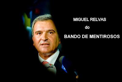 """Visita a Angola - Miguel Relvas, em entrevista: """"Um angolano é um português em Portugal"""""""