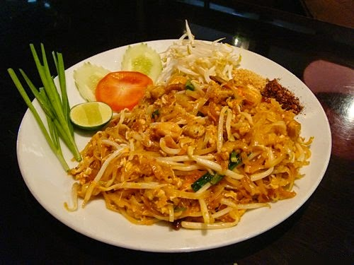 Phad Thai, Thai Cooking Class with Easy Day Thailand