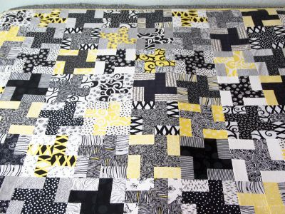 52 quilts in 52 weeks a friday finish happy solstice for Black white and gray quilt patterns