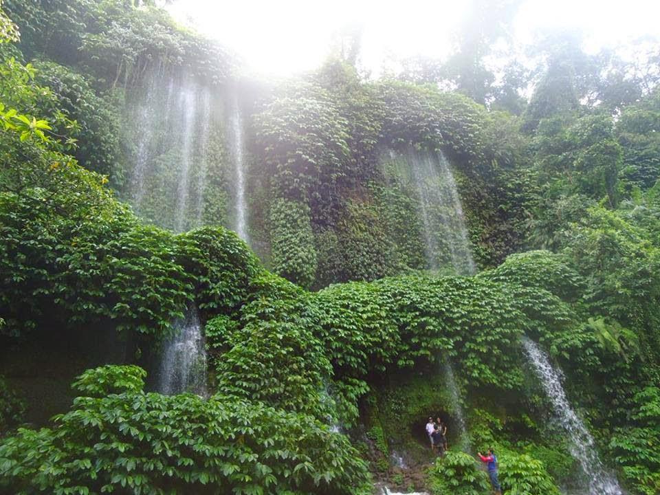 air terjun benang kelambu lombok tengah