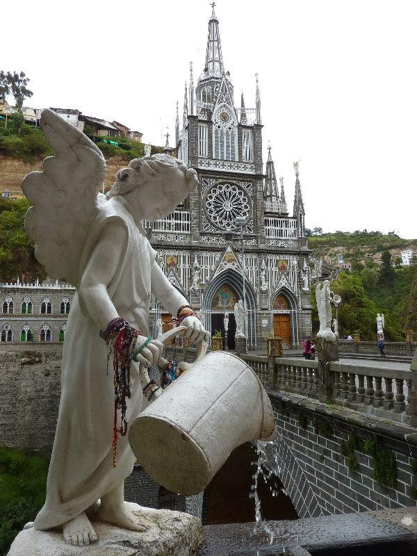 Resultado de imagen para santuario de las lajas angel