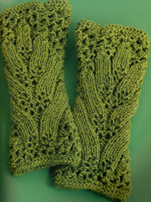 Knitting Patterns Leaf Lace : Knitting 60 Projects From 60 Quick Knits: Pattern #46 Leaf-Lace Gauntlets