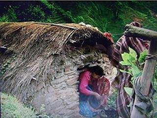 Mujeres y niñas permanecen aisladas en Nepal durante sus procesos menstruales