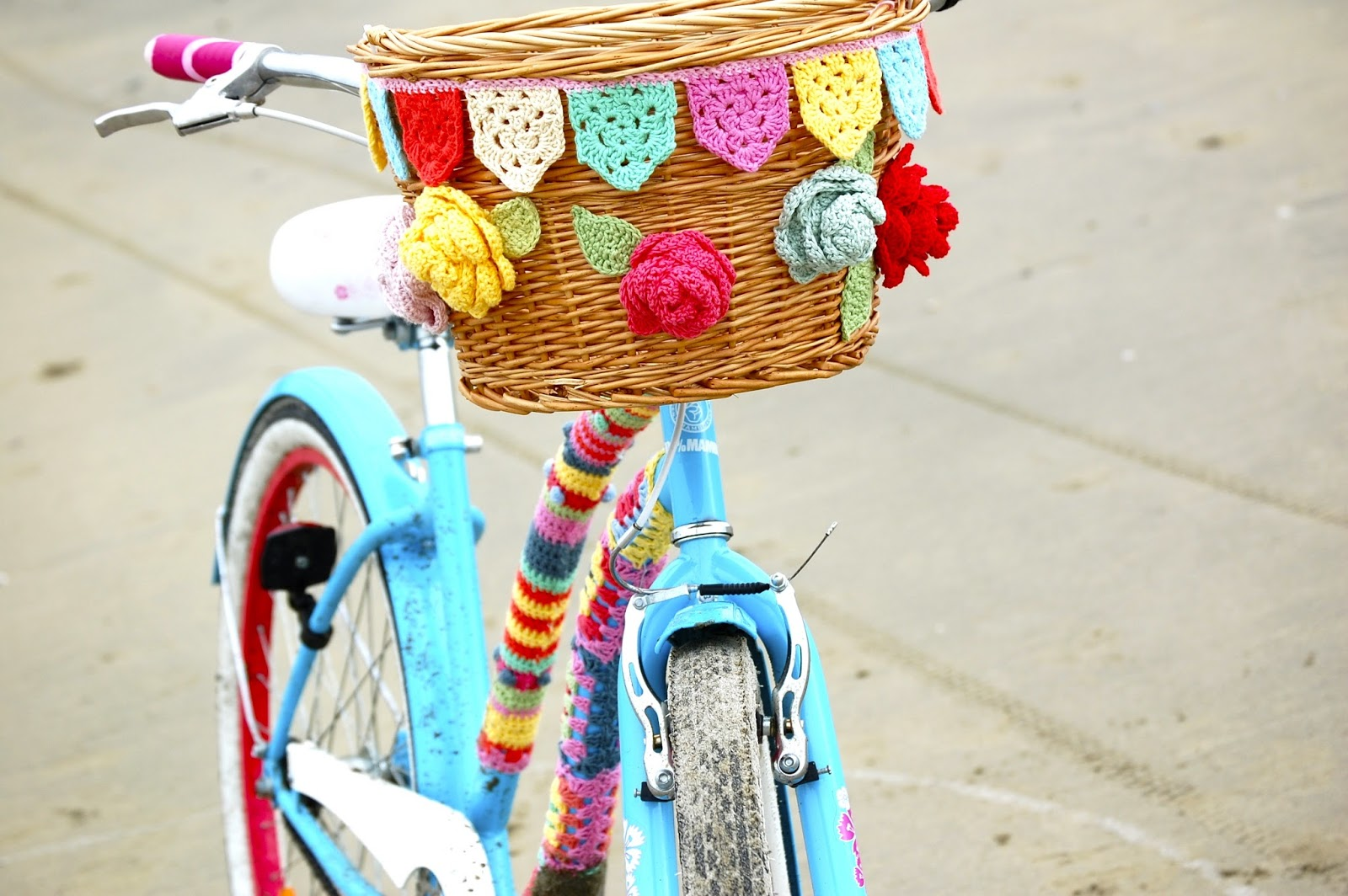 Greedy For Colour: How to Crochet Bicycle Basket Bunting....