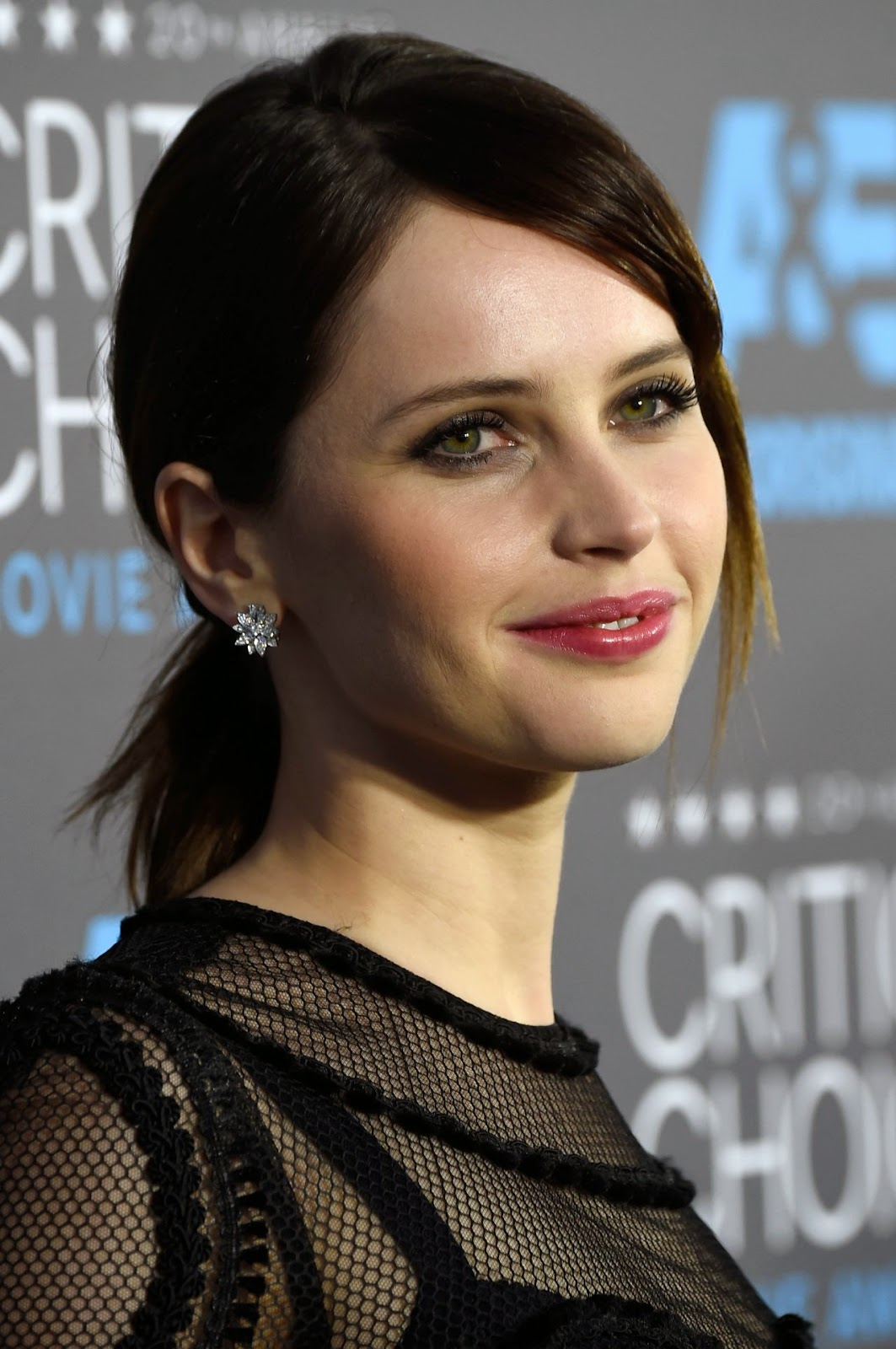 Felicity Jones flaunts Dolce & Gabbana at the 2015 Critics' Choice Movie Awards