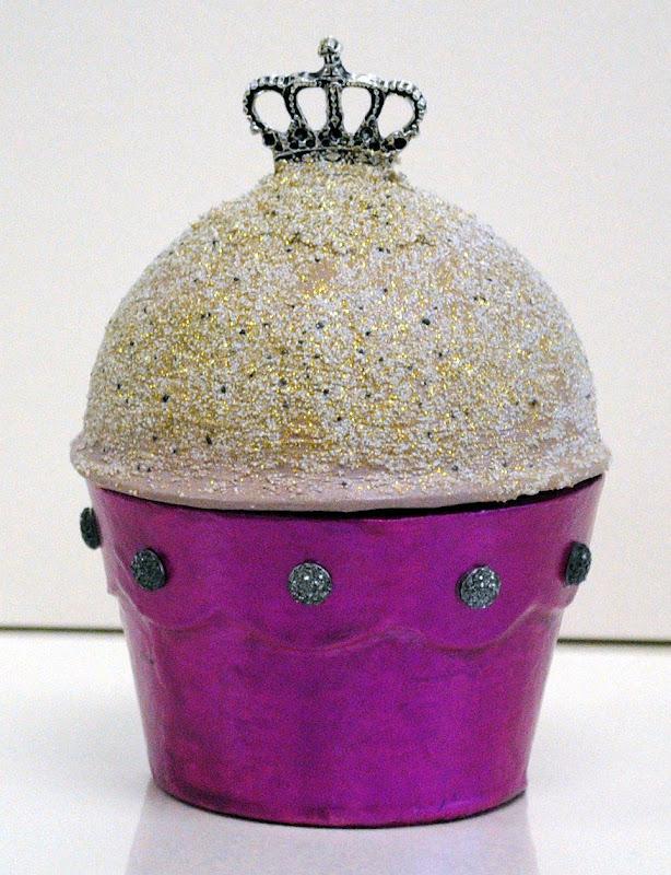 how to make papier-mache cupcake