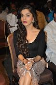 Aparna Bajpai sizzling photo shoot-thumbnail-14