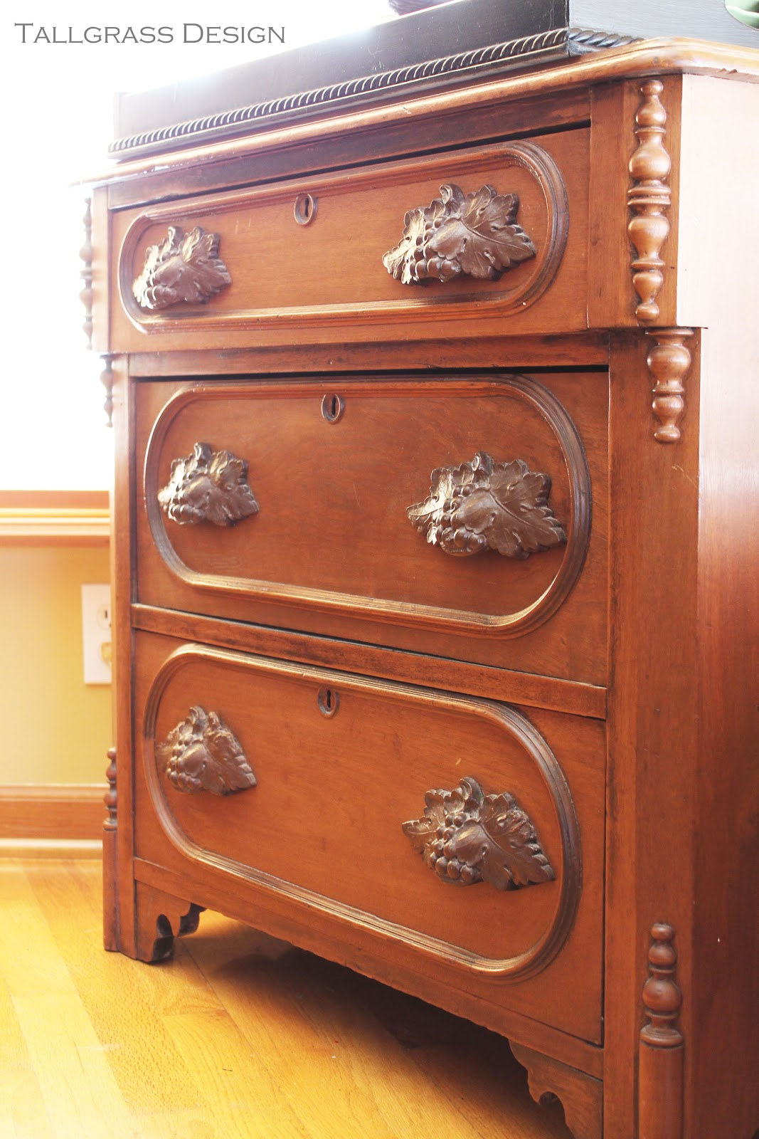 fl case drawer storage commodes english victorian condition of f chest beach for excellent campaign antique sale in drawers furniture id palm l chests pine pieces