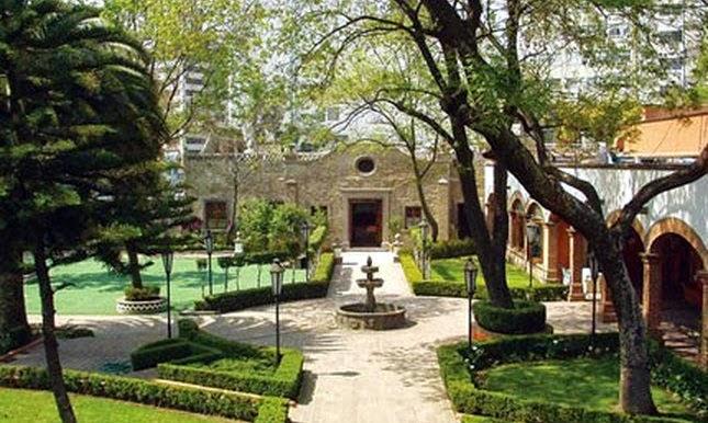 El bable templos capillas y ermitas de la ciudad de for Los jardines de sansuena