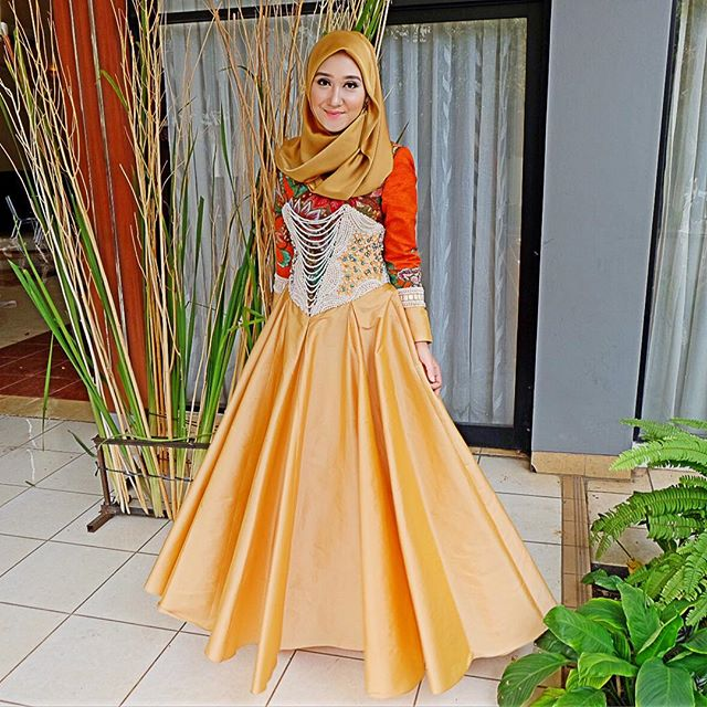 15 Koleksi Baju Muslim Dian Pelangi Tahun 2018 Elegan Modern