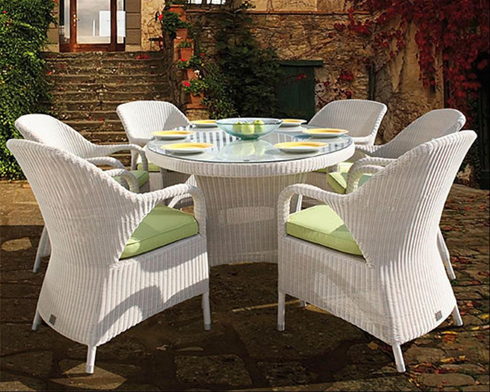 White Rattan Outdoor Furniture   HDRgermanyPhotos.com