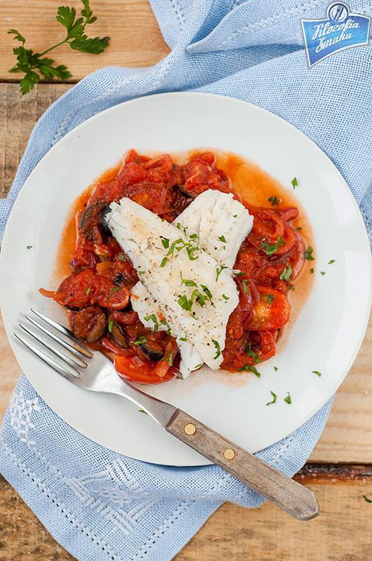 Ryba w sosie pomidorowym przepis