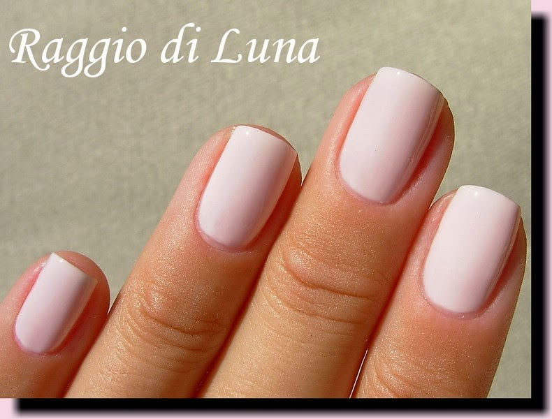 Raggio di Luna Nails: Avon Gel Finish Sheer Love