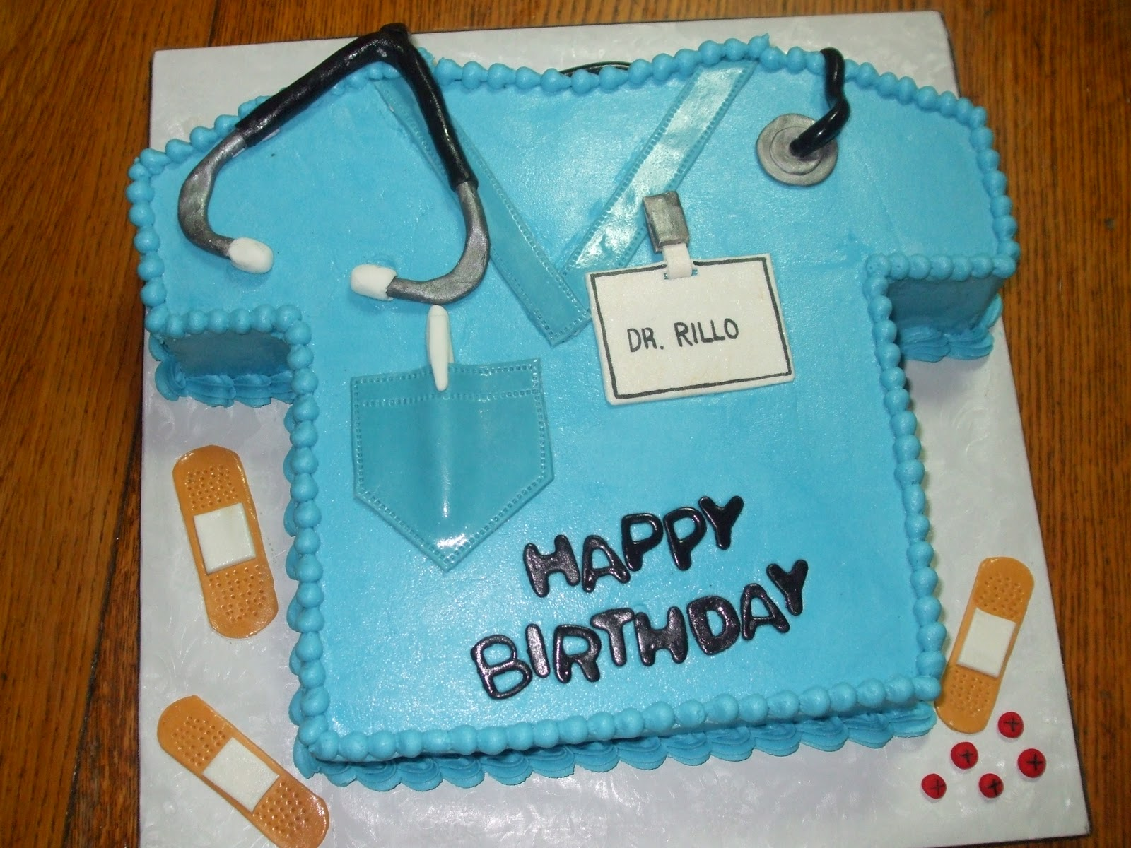 Birthday Cake Images For Doctors : Cakes by Paula: Doctors Scrubs Birthday cake