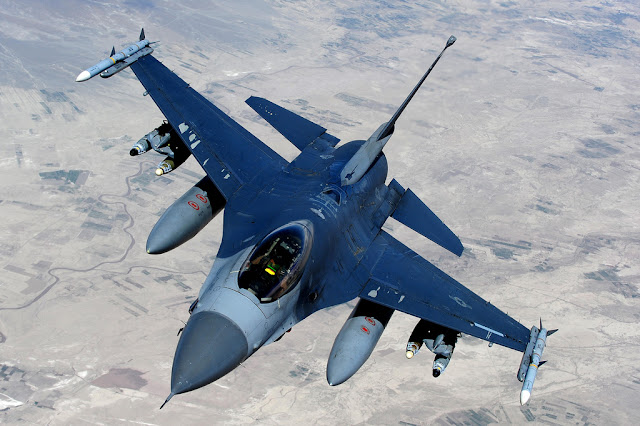 F-16 fighting falcon missile