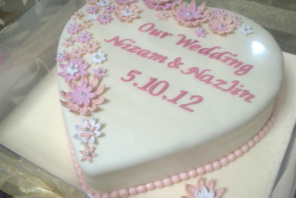 Wedding Cake Heart Shape Nizam Nazlin Meidlovingcakes
