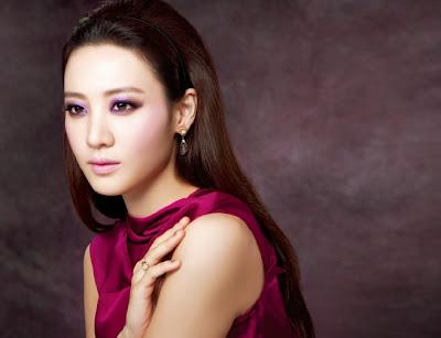 Kim Soo Hyun - InStyle Weddings Magazine November Issue 2013