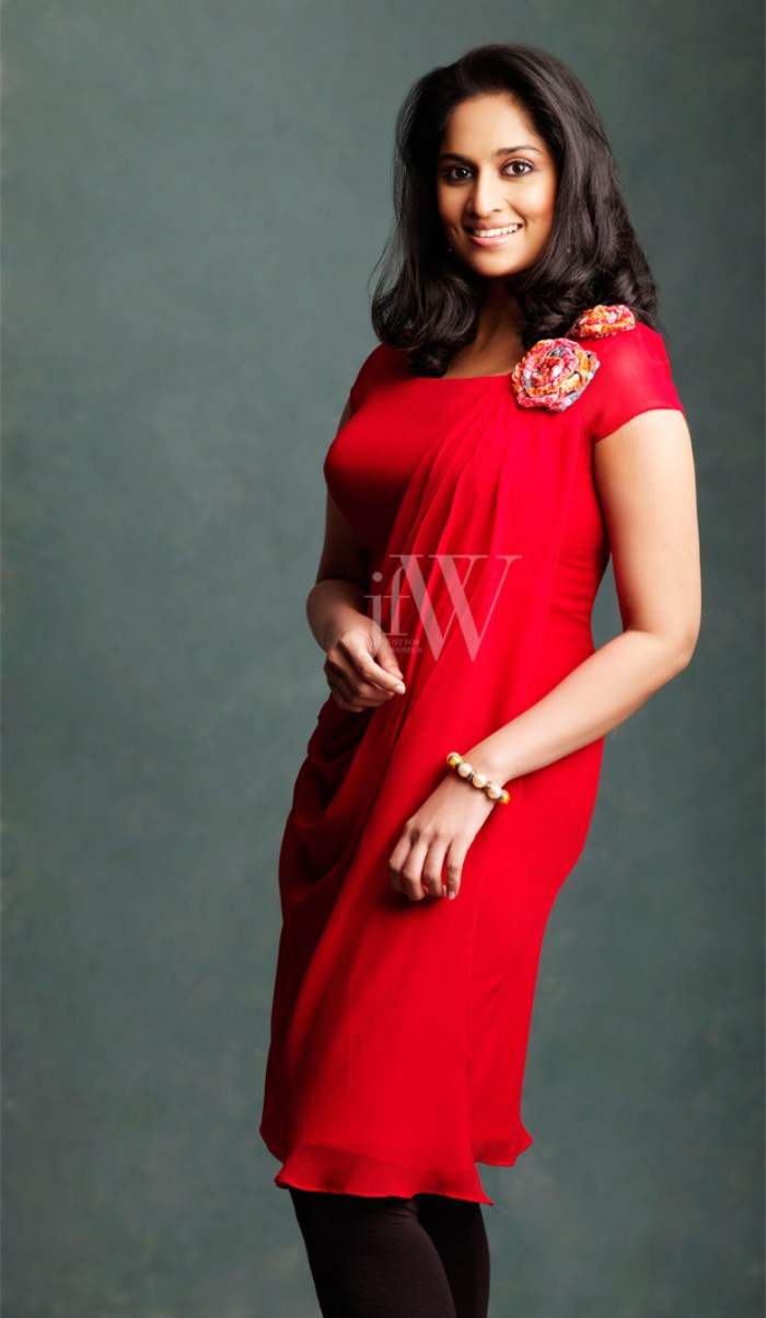 Pictures And Wallpapers Shalini Latest Model Dress